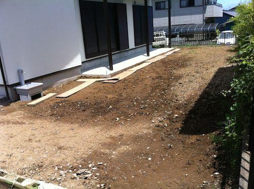暗渠排水工事後の庭