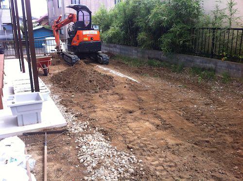 土の入れ替え工事:重機