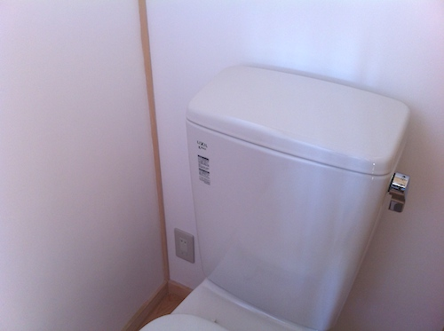 2階のトイレは「手洗いなし」