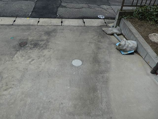 水道補修前の駐車場