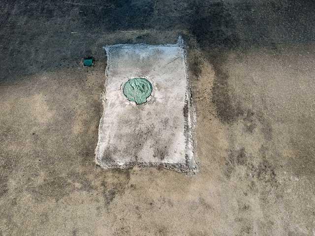 コンクリート乾燥後の駐車場