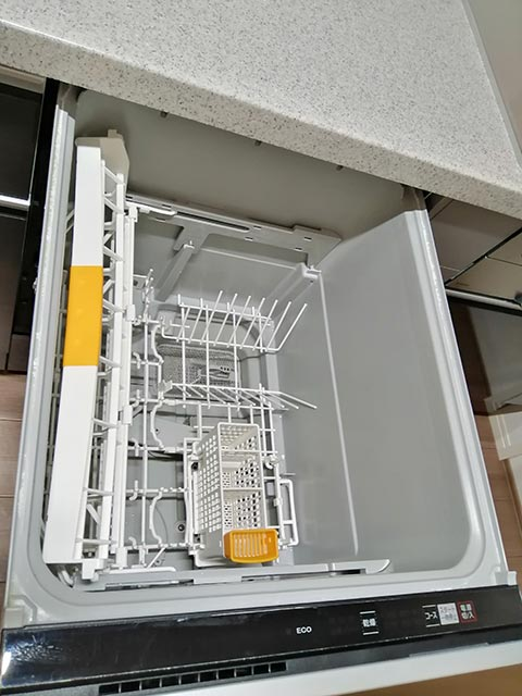 食洗機内部の写真