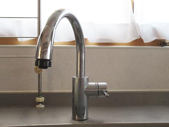 グースネック水栓